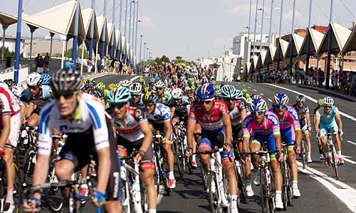 Sevilla 30-08-13: la Vuelta Ciclista a España a su paso por Sevilla