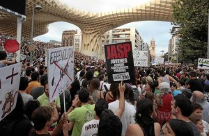 Cientos de personas tomaron las calles el 15 de mayo de 2011.