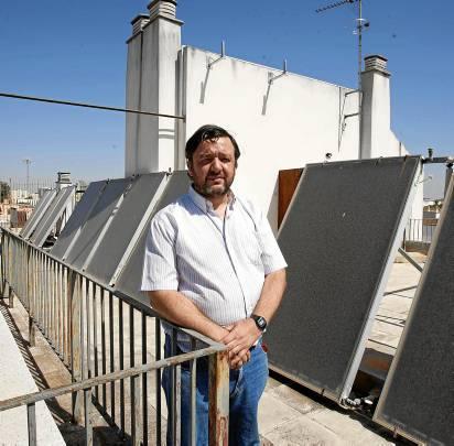 Ángel Sánchez, portavoz vecinal de los damnificados de Las Letanías. Foto: J.M. Paisano (Atese)