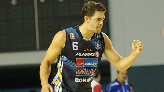 Marcos Mata.