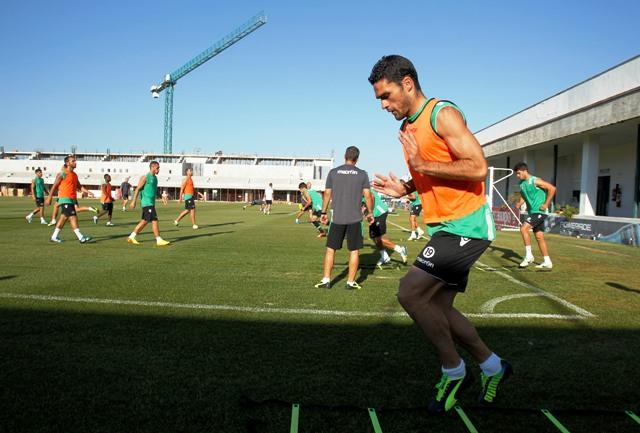 Jorge Molina celebra un gol con la camiseta del Betis en la Liga Europa / Milan Kammermayer (EFE)
