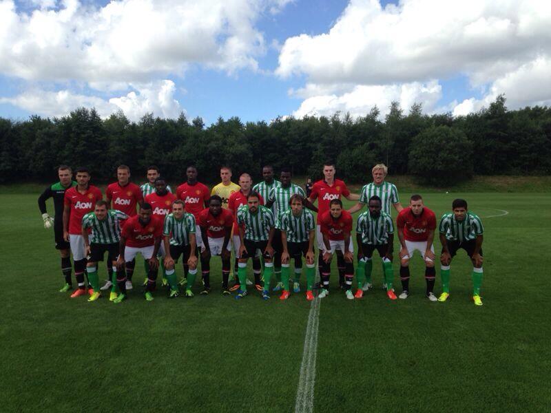 Pepe Mel ha colgado esta foto de los dos equipos juntos.