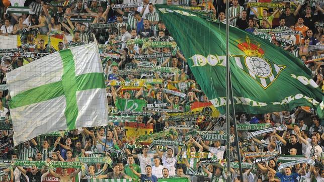 La afición del Betis se dejará oír en el Bernabéu una vez más.