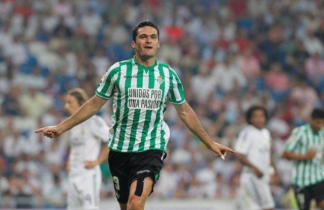 Jorge Molina celebra el 0-1 en el Bernabéu / Marcamedia