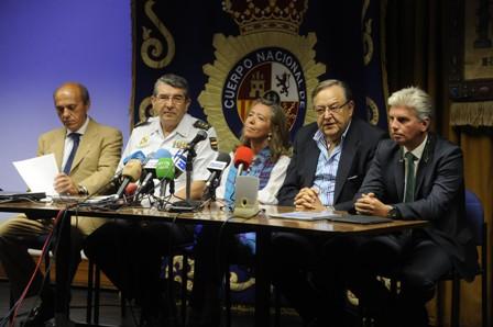 Eduardo Herrera, junto a Miguel Guillén en el acto de esta mañana / Marcamedia