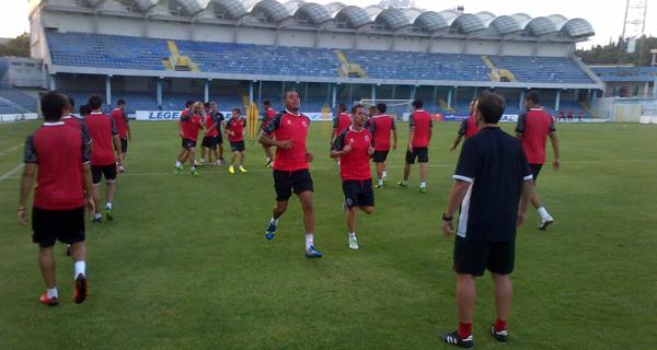 El equipo, entrenándose. (SevillaFC)