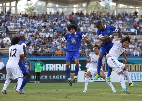 Distin y Fellaini, en el reciente amistoso con el Real Madrid / Everton FC