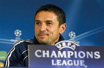 Rémi Garde, entrenador del Olympique de Lyon.