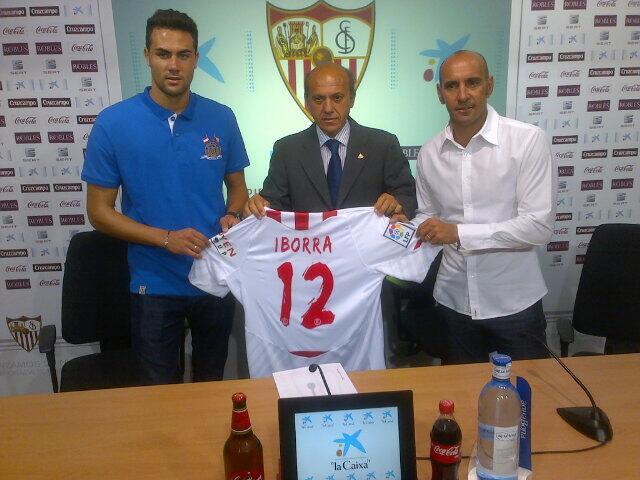 Iborra, en su presentación. (Sevilla FC)