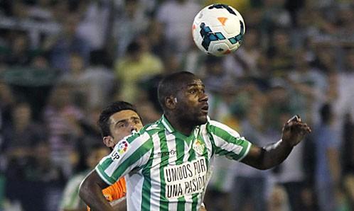 Paulao, en acción en el partido contra el Valencia / Paco Puentes (EFE)
