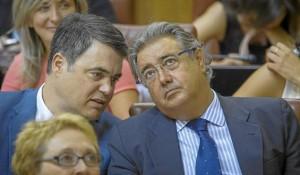 Zoido y Carlos Rojas, en un momento del debate