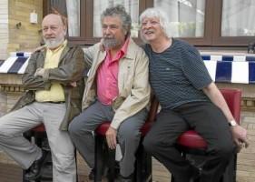 El célebre conjunto argentino de humor Les Luthiers presentaron ayer su Lutherapia.