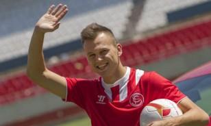 Cheryshev se va tras un año marcado por las lesiones (Julio Muñoz/EFE)