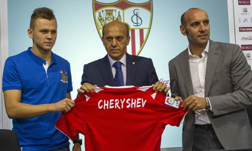"""Cheryshev, presentado el lunes, puso el punto final de una """"revolución"""", según el Sevilla."""