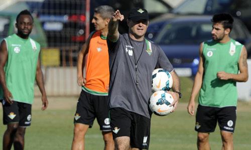 Pepe Mel, en un entrenamiento en la ciudad deportiva.