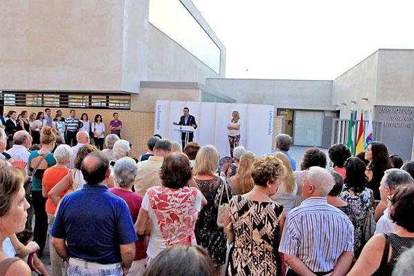 Apertura de la nueva biblioteca de la Rinconada. / Foto: Ayuntamiento