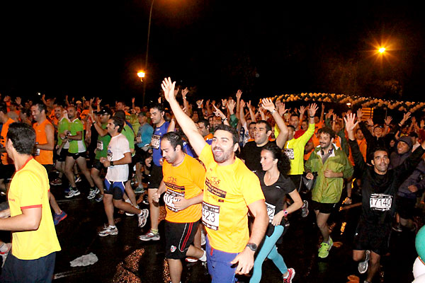 Carrera Nocturna del Guadalquivir 2013. / Foto: Manu R.R. (Atese)