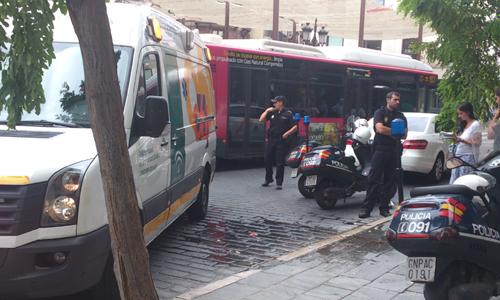 Un taxista atropella a un peatón en La Campana. MJL