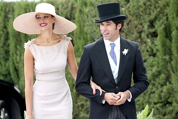 El torero Cayetano Rivera Ordóñez y su novia Eva González. / Maribel Chito (EFE)
