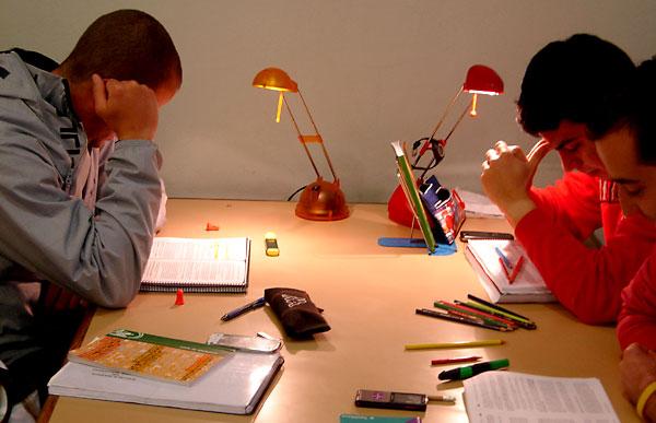 estudiantes-estudiando