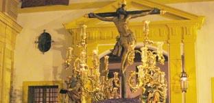 El Cristo de la Expiración saliendo de su capilla.