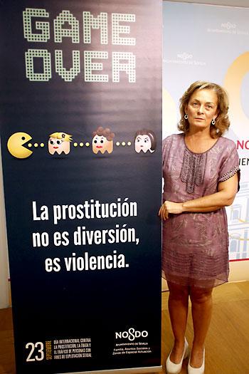 La concejal del ramo, Dolores de Pablo-Blanco, presenta la campaña.