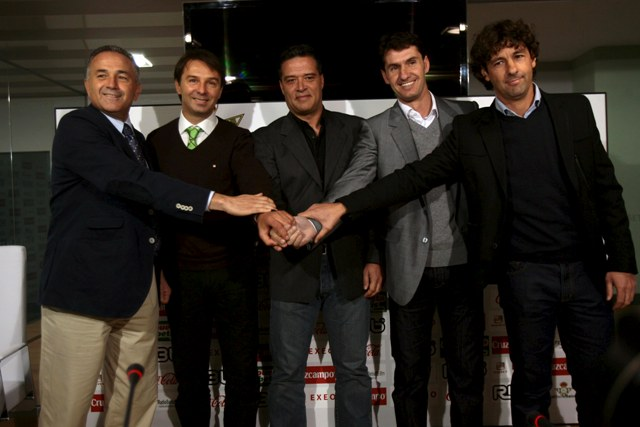 Imagen de la dirección deportiva original. Emilio Vega es el primero por la izquierda.