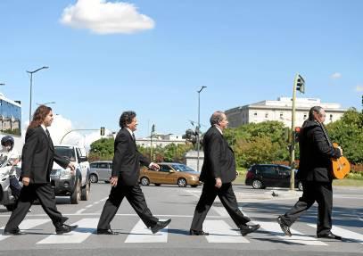 ¿Cantores de Híspalis o Los Beatles?