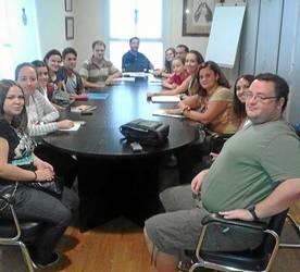 Los alumnos de uno de los grupos de la escuela de idiomas.