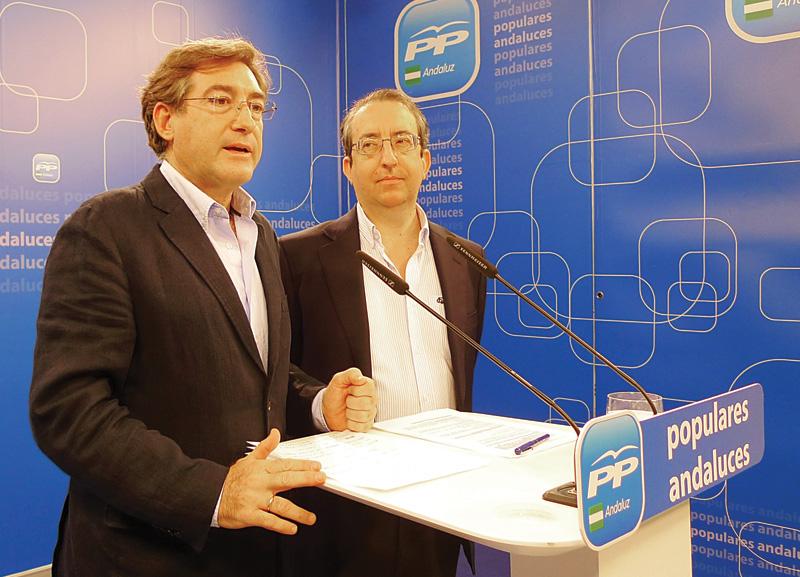 Los diputados del PP-A Rafael Salas y Rafael Carmona.