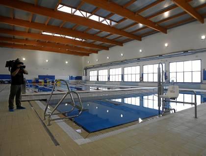 Por la vida y la alegr a piscina san jeronimo sevilla for Piscinas imd sevilla