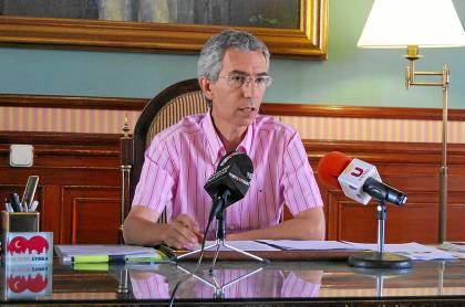 El alcalde de Utrera, Francisco Jiménez, para el que el fiscal pide cinco años de inhabilitación.