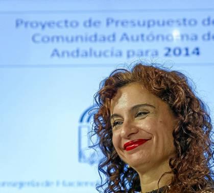La consejera de Hacienda, María Jesús Montero, ayer en la presentación de los presupuestos. / EFE