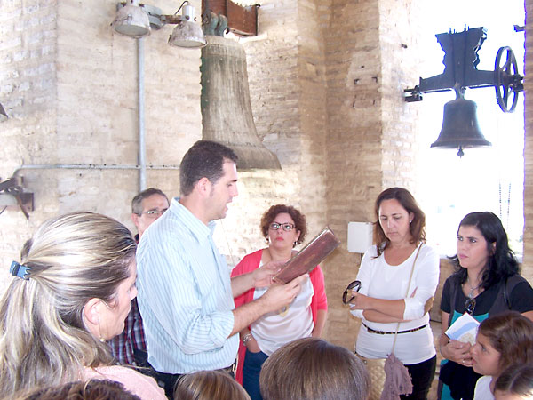 Un momento de las visitas a la torre mudéjar.