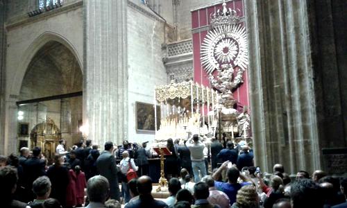 La Virgen de los Gitanos ya está en la Catedral. / Alfredo Guardia