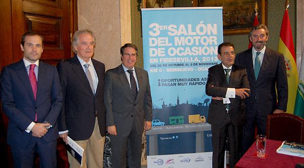 Los organizadores presentaron ayer la muestra en el Ayuntamiento de Sevilla.