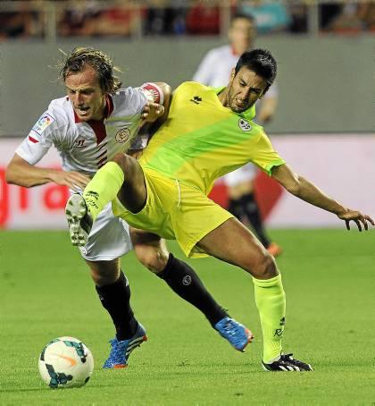 Rakitic, en el partido de Liga contra el Rayo Vallecano / Kiko Hurtado (Marcamedia)
