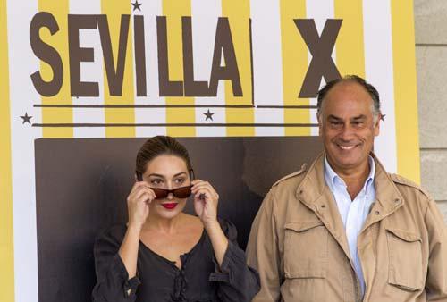 Estrella Morente y el director Joaquín Gutiérrez Acha.