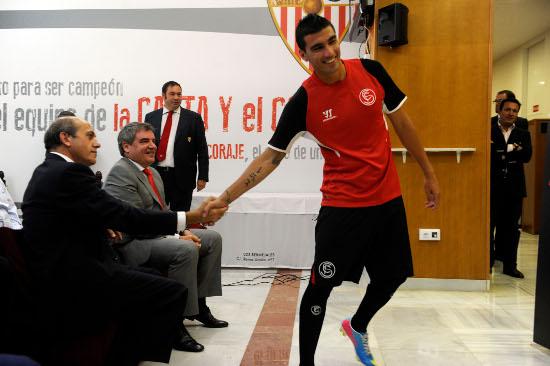 Del Nido y Reyes, en un acto. (Kiko Hurtado/Marcamedia)