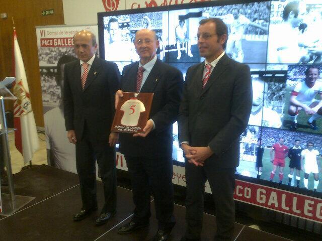 Gallego, con Del Nido y Rosell (Foto: Sevilla FC)