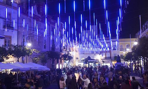 La Plaza del Salvador se convierte este año en la gran novedad de la iluminación navideña en el centro de la ciudad de Sevilla. / J. M. PAISANO (ATESE)