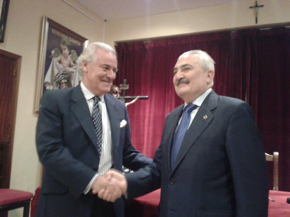 Francisco Berjano con el presidente del Consejo, ayer tras hacerse pública su designación. Foto: M.J.F.