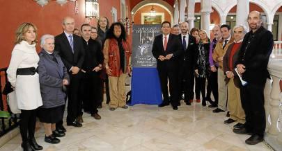 El equipo de la Fundación Cajasol, junto a algunos de los artistas invitados del ciclo.