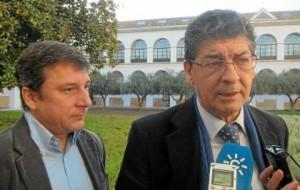 Valderas y Enrique Centella, ayer en el Parlamento