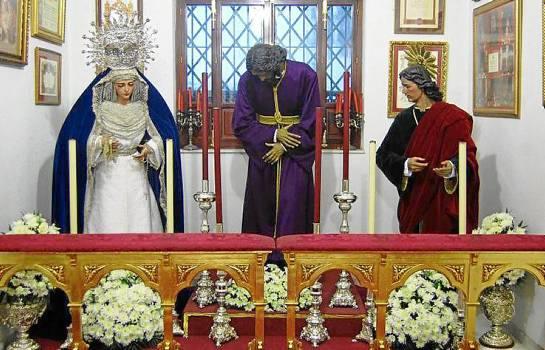 Oratorio improvisado en la sala de juntas de la casa de hermandad con las imágenes de San Roque. Se puede visitar de 18 a 21 horas.