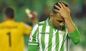 Rubén Castro lamenta la derrota contra el Almería.