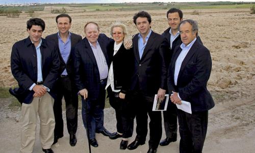 Fotografía de archivo (Alcorcón, Madrid, 6 de mayo de 2012) facilitada por la Comunidad de Madrid del inversor norteamericano Sheldon Adelso.