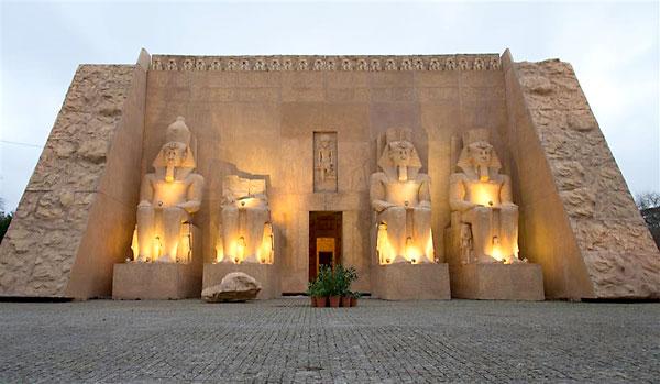 Réplica del templo de Abu Simbel.