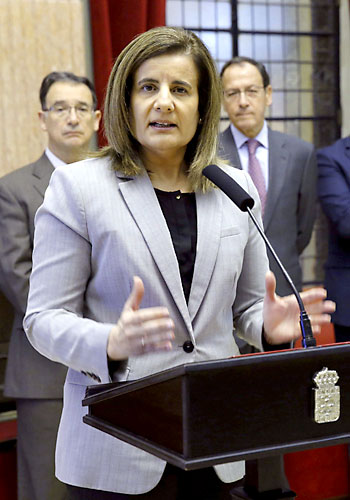La ministra de Empleo y Seguridad Social, Fátima Bañez, en un acto en Murcia. / EFE