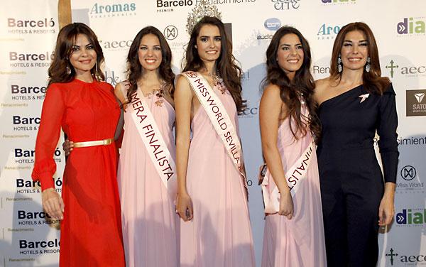 Miss World Sevilla 2013 y finalistas, junto a Mª José Suárez y Raquel Revuelta
